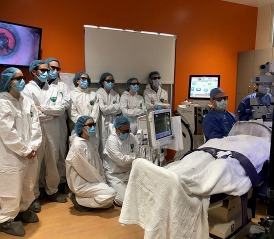 Surgeons learning in the OR